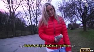 Kız Zorluk Çıkarıyor Türkçe Altyazı 720p HD izle