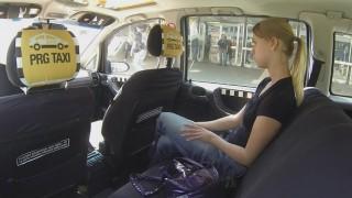 Czech Taxi 5 Sevgilisi Tatmin Etmiyormuş Taksiciyi Deniyor Türkçe Altyazılı