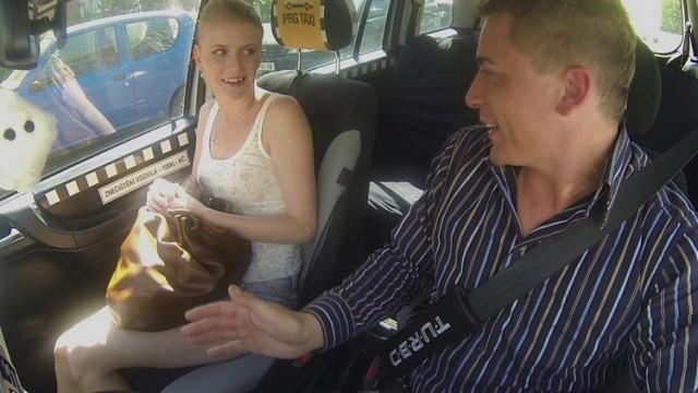 Czech Taxi 6 Azgın Kadın Taksiciye Saldırıyor Türkçe Altyazılı
