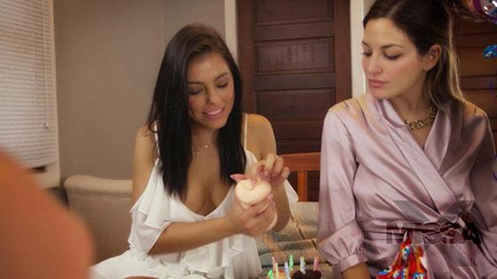 MissaX Eleman Annesi Adriana ve Karısı Kissayı Doğumgününde Sikiyor Türkçe Altyazılı Porno
