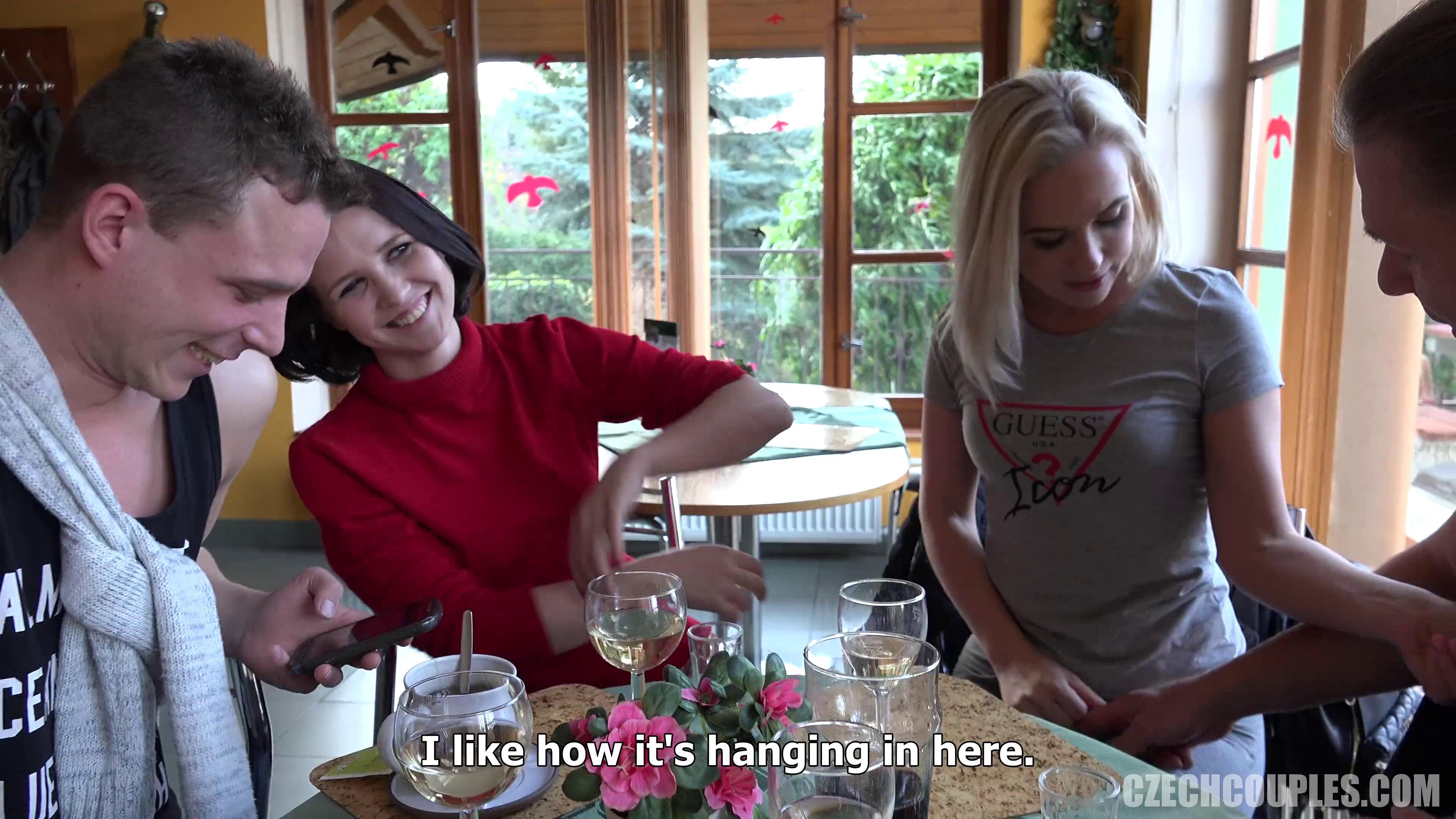 CzechCouples 36 Kafede Tanıştıkları Çiftleri Tuvalette Sikişmeye İkna Ediyorlar Türkçe Altyazılı Porno